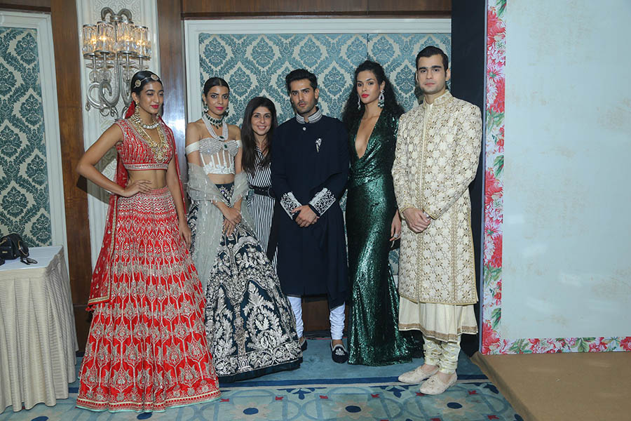Anaita-Shroff-Adajania-3rd-from-left-of-Vogue-India-flanked-by-models-at-the-Vogue-Wedding-Show-2017